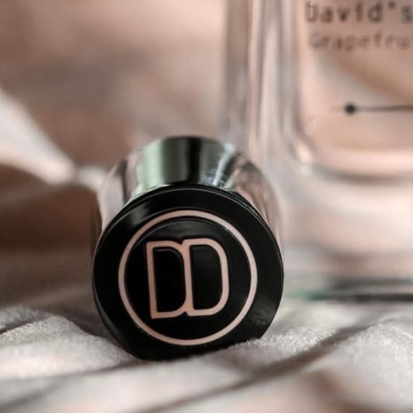David Dobrik Perfume - cap detail